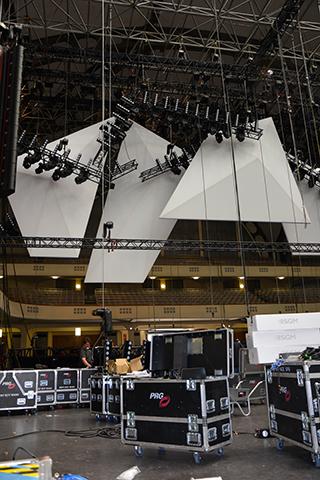 Bühnemolton weiß als matte, nicht reflektierende Projektionsfläche