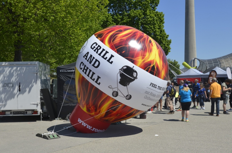 Inflatable Ballon Grill and Zill für Merchandising